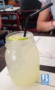 picnic gin lemonade